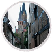 Alley In Schleswig - Germany Round Beach Towel