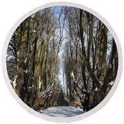 Alley In The Snow Round Beach Towel