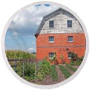 Amish Barn And Garden Round Beach Towel