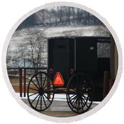Amish Buggy In Winter Round Beach Towel
