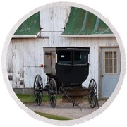 Amish Buggy White Barn Round Beach Towel