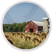 Amish Country Wheat Stacks And Barn Round Beach Towel
