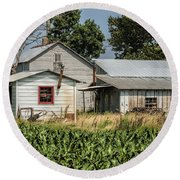 Amish Farm In Tennessee Round Beach Towel
