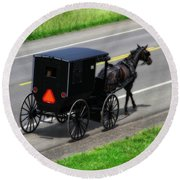 Amish Horse And Buggy In Ohio Round Beach Towel