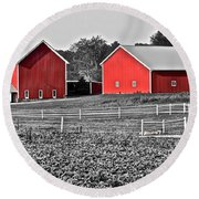 Amish Red Barn And Farm Round Beach Towel