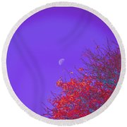 An Autumn Morning Round Beach Towel