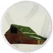 An Old Barn In Northeast Montana Round Beach Towel