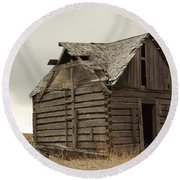 An Old Cabin In Eastern Montana Round Beach Towel