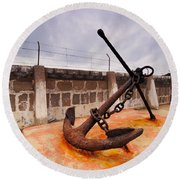 Anchor In La Canal Round Beach Towel