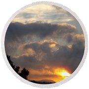 Angel In The Sunrise Round Beach Towel