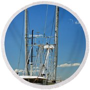 Anh Quoc Round Beach Towel