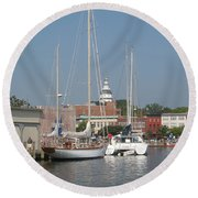 Annapolis Harbor Alongside Dock Street Round Beach Towel
