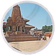 Another Hindu Temple N Bhaktapur Durbar Square In Bhaktapur -nepal Round Beach Towel