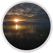 Antarctic Twilight... Round Beach Towel
