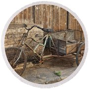 Antique Bicycle In The Town Of Daxu Round Beach Towel