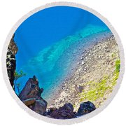 Aquamarine Shoreline At North Junction Of Crater Lake In Crater Lake National Park-oregon Round Beach Towel