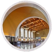 Arch At La Union Station Round Beach Towel