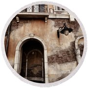 Arched Passage In Old Rustic Venetian House Round Beach Towel