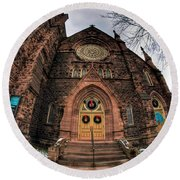 Architecture And Places In The Q.c. Series 01 Trinity Episcopal Church Round Beach Towel