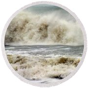 Arrival Of Sandy Round Beach Towel