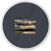Art For Crohn's Lake Ontario Sun Beams Round Beach Towel