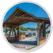 Ashtabula Collection - West Liberty Covered Bridge 7k02064 Round Beach Towel