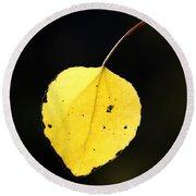 Aspen Leaf  In Fall Round Beach Towel