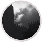 Avila Wall In Silhouette Round Beach Towel