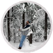 Awestruck By The Beauty Of Snow Round Beach Towel