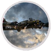 B17 Tribute Round Beach Towel