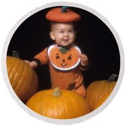 Baby In Pumpkin Costume Round Beach Towel