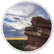 Balanced Rock At Sunrise - Garden Of The Gods - Colorado Springs Round Beach Towel