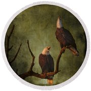 Bald Eagle Serenade Round Beach Towel
