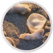 Bald Head Island Shells Round Beach Towel