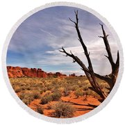 Bald Tree At Arches  Round Beach Towel