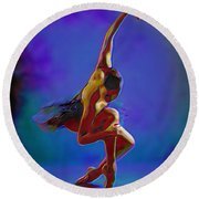 Ballerina On Point Round Beach Towel