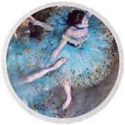 Ballerina On Pointe  Round Beach Towel