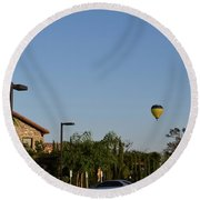 Balloon Over Lorimar Round Beach Towel