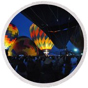 Balloons In The Crowd Round Beach Towel