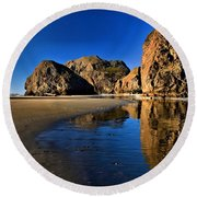 Bandon Low Tide Reflections Round Beach Towel