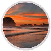 Bandon Sunset And Surf Round Beach Towel