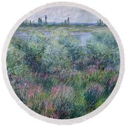 Banks Of The Seine At Vetheuil Round Beach Towel