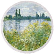 Banks Of The Seine Vetheuil Round Beach Towel