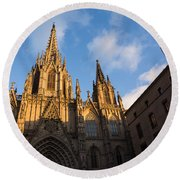 Barcelona's Marvelous Architecture - Cathedral Of The Holy Cross And Saint Eulalia Round Beach Towel