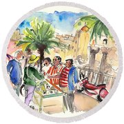 Bargaining Tourists In Siracusa Round Beach Towel