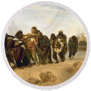 Barge Haulers On The Volga Round Beach Towel