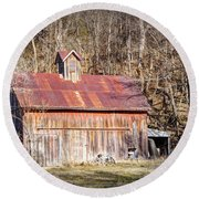 Barn By The Bluffs Round Beach Towel