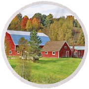 Barn In Autumn Round Beach Towel