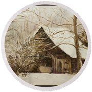 Barn In Snow Round Beach Towel