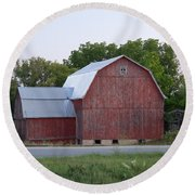 Barn On The Road Round Beach Towel